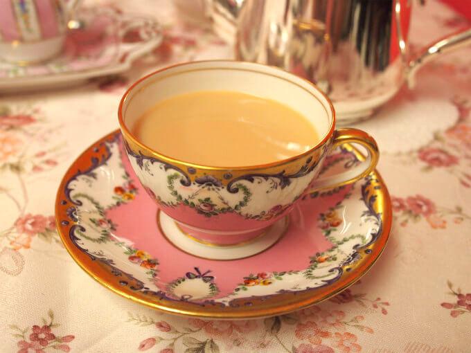 ウバはミルクティーにしても美味しい紅茶です。