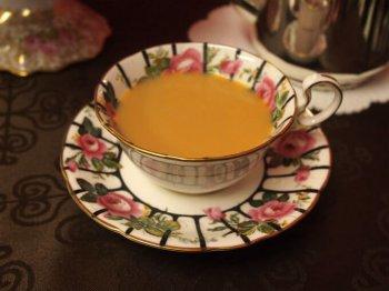 ルフナはミルクティーによくあう紅茶です。