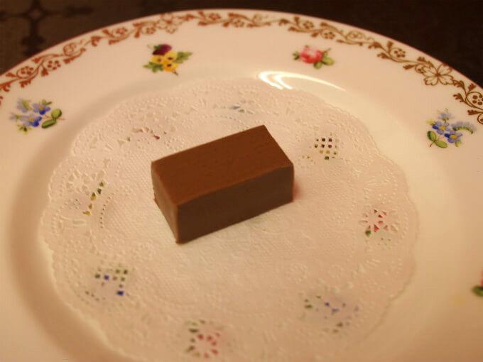 ジャンドゥージャ ナッツ風味のミルクチョコレートプラリネ