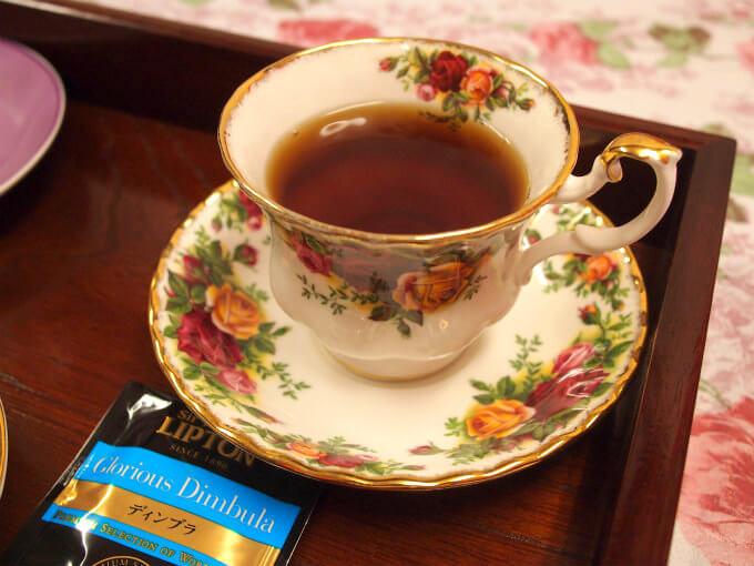 ディンブラはこのカップにしたらとても美味しくなりました。さすがモントローズシェイプです!モントローズシェイプは紅茶が一番美味しく飲める究極のカップとして有名なのです。モントローズシェイプについてはこちら>>