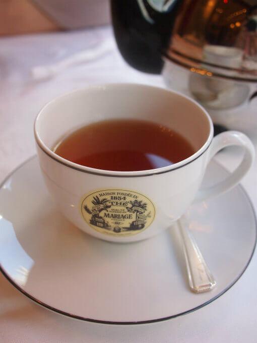 こちらは「モンターニュドール」フルーツとお花の香りのする紅茶です。