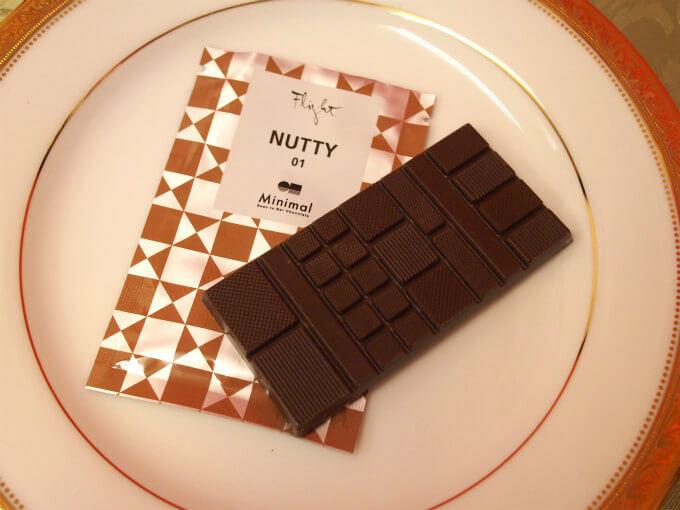 「NUTTY 01」はコロンビア産トゥマコを71%使用したチョコレート。 軽くローストしたナッツのような風味のチョコレート