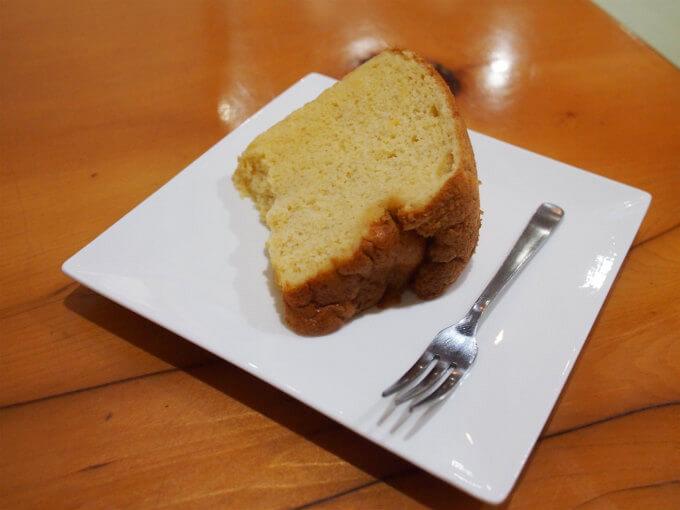 こちらはシフォンケーキ。この日は塩麹のシフォンケーキでした。
