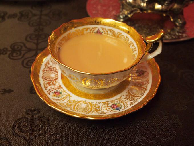 ウバはストレートでもミルクティーにしても美味しい紅茶です。