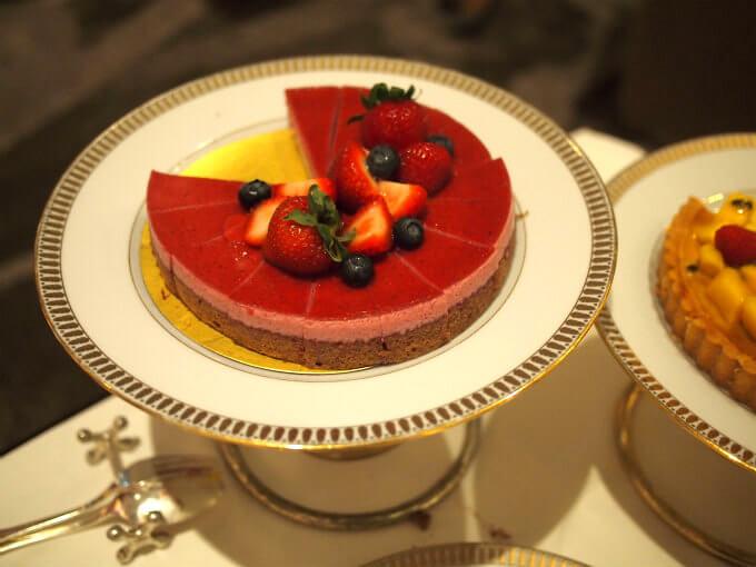 カシスとチョコレートのケーキ