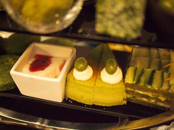 チーズが苦手のお友達用にはチーズケーキの代わりにパンナコッタを用意してくれました。