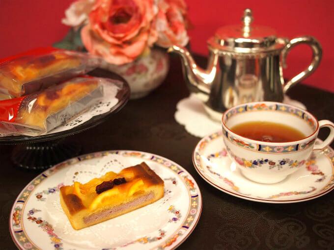 グラマシーニューヨークのフルーツタルトと紅茶