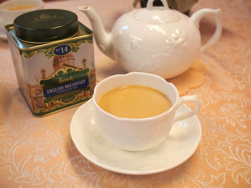 ハロッズのNO14イングリッシュブレックファストはミルクティーによく合う紅茶です。