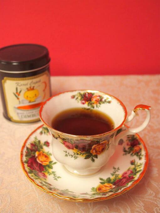 フルーティーさも感じる芳醇な香りでほどよい渋みと甘みがありながら、スッキリとした飲み口のディンブラは本当に紅茶の優等生です。