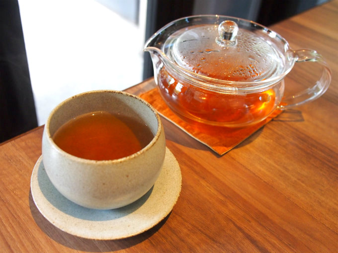 こちらはほうじ茶 やさしさ。