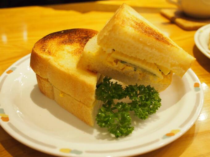 こちらはチーズトースト