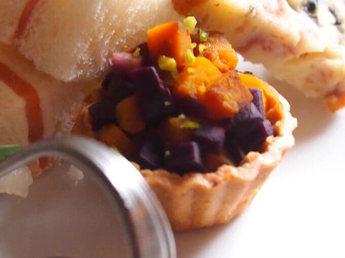 紫人参と南瓜のセイボリータルト ちゃんと塩味でした!