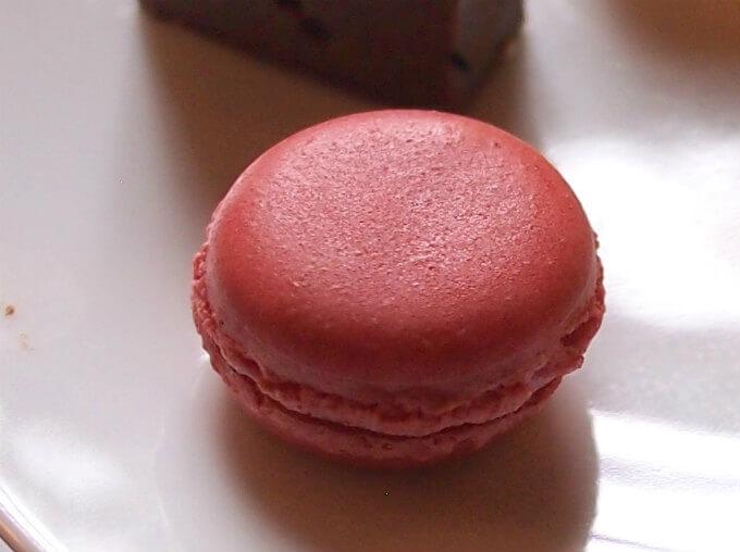 ラズベリーマカロン クリームもピンクで可愛かったです。