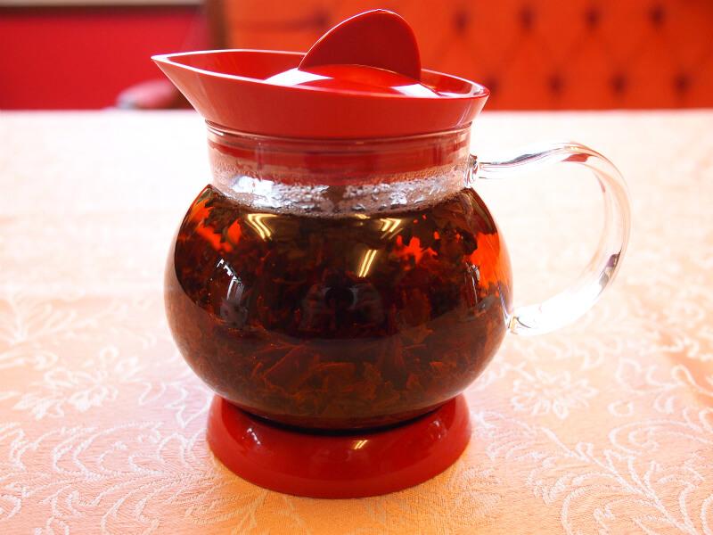 ダージリンオータムナルはこのように茶葉が大きいものが多いです。
