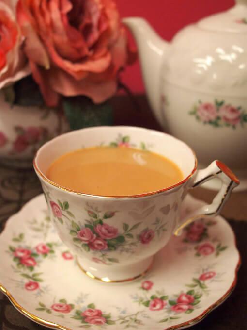ディンブラはミルクティーにしても美味しい紅茶です。