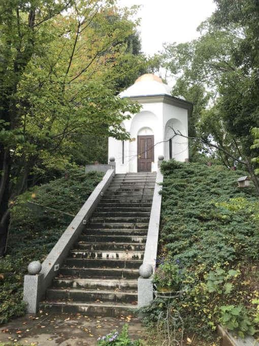 こちらが星の礼拝堂です。
