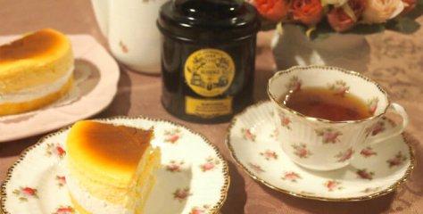queen alice cheesecake fraisier whole1