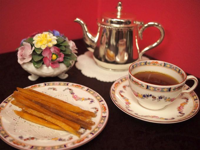 芋屋金次郎の芋けんぴと紅茶