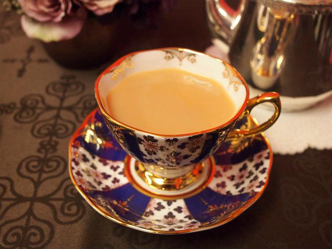アッサムはミルクティーがよく合う紅茶だけどコロコロしたCTC製法のアッサムではなくて、リーフタイプのアッサムはストレートでも美味しいです。