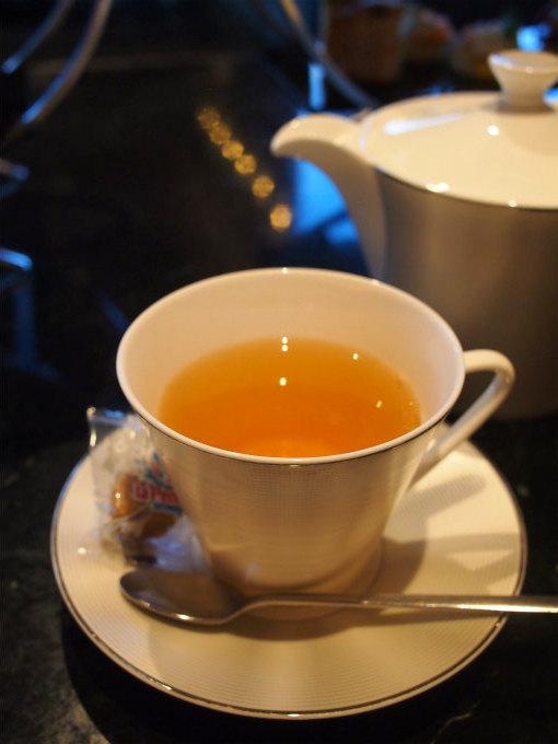 こちらはホワイトオーチャード 。桃の香りのするお茶です。