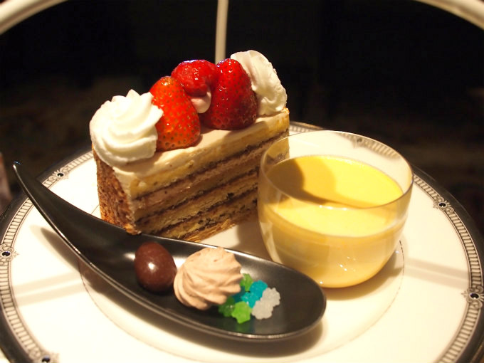 ホテルイースト21東京「ロビーラウンジ」のアフタヌーンティーの上段