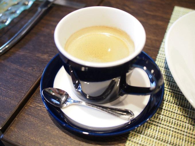 コーヒーはミカドコーヒーのもの