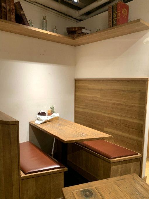 こちらは2階のお席。ボックス席は2つあります。