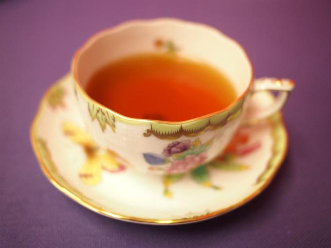 ダージリンファーストフラッシュの水色(すいしょく)は淡いオレンジ色。