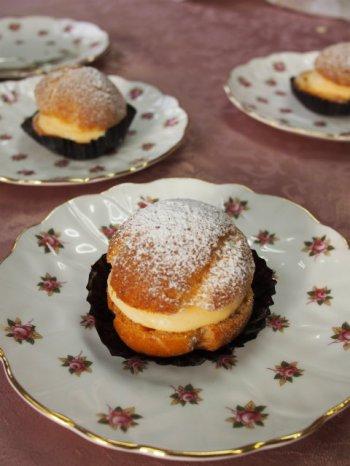 「菓子工房ルスルス」の一番人気のお菓子シュークリーム