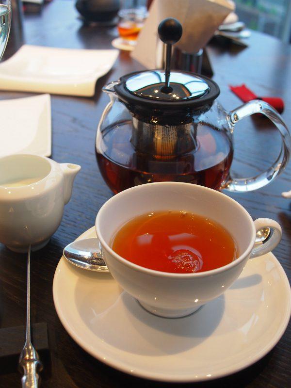 写真の紅茶はアッサムです。