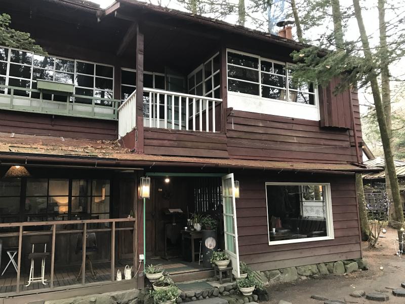 旧軽井沢Cafe 涼の音の建物は明治時代に建てられたもの