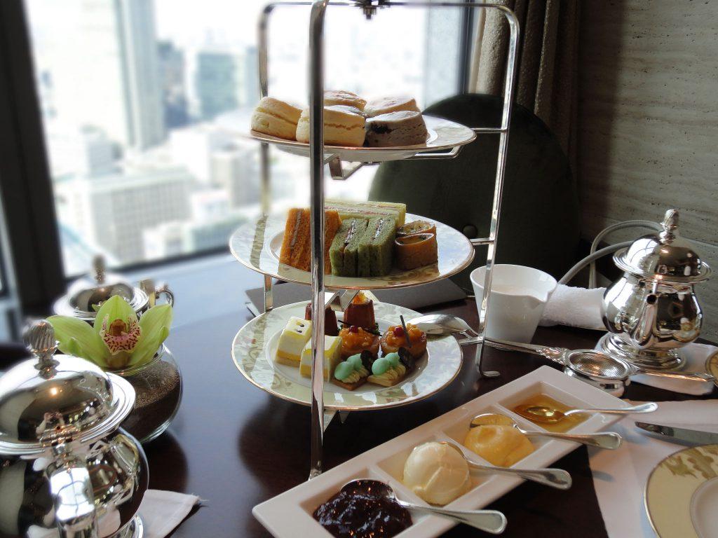 シャングリ・ラホテル東京のザ・ロビーラウンジでアフタヌーンティーをしてきました。