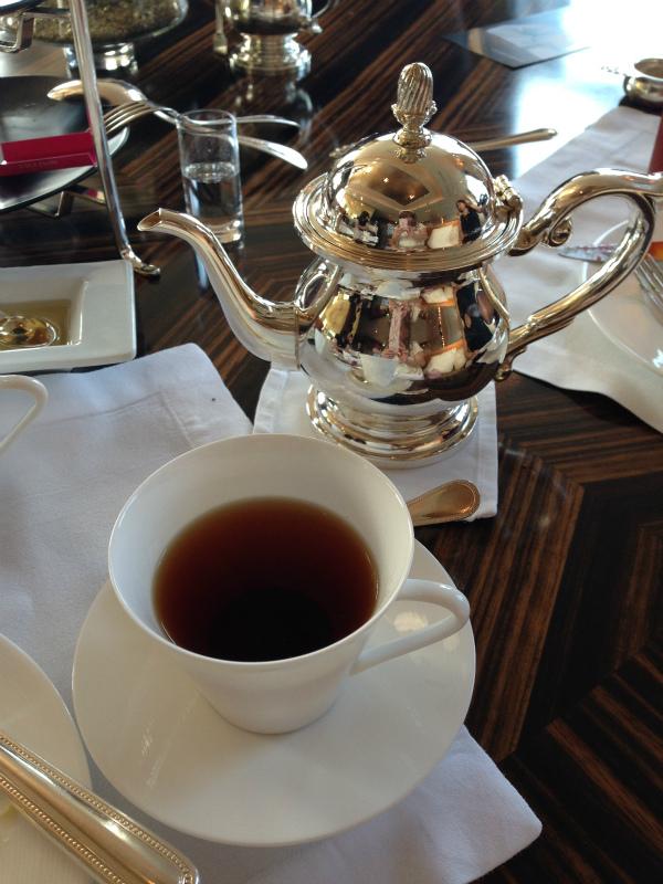 シャングリラ・フォションコラボアフタヌーンティーの紅茶フォションのアップルティー