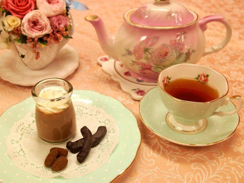 ビーントゥバープリンとウバ紅茶
