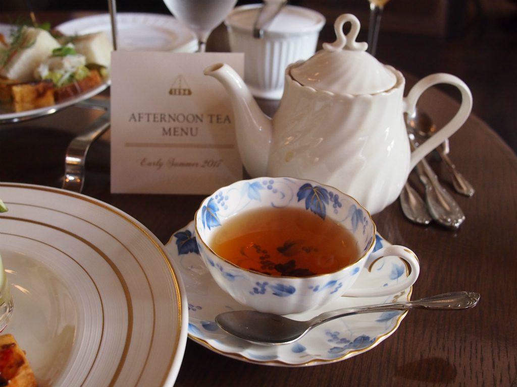 三菱一号美術館cafe1894 の食器