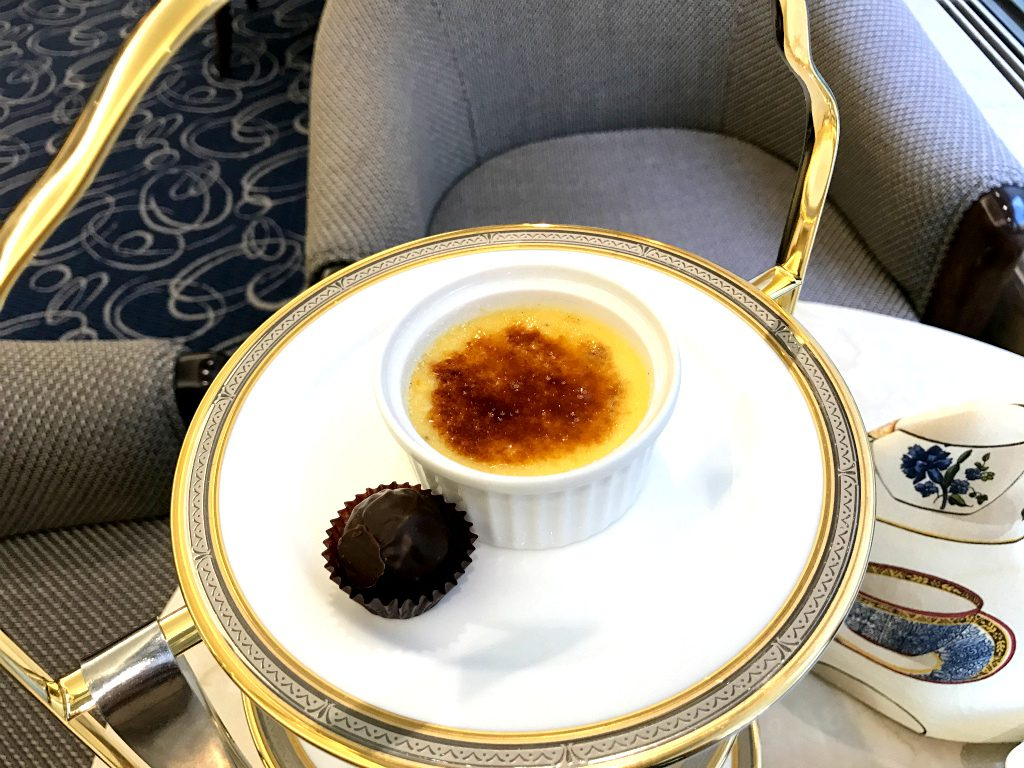 cr hotel afternoontea sweets