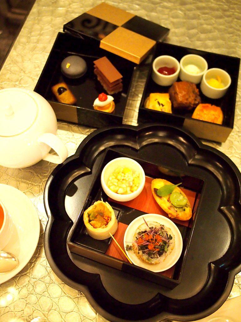 アマン東京ザ・ラウンジbyアマンのいちごのアフタヌーンティーのケーキスタンド
