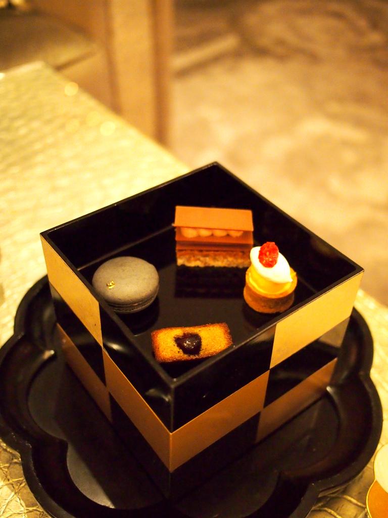 interconti tokyobay afternoontea sweets
