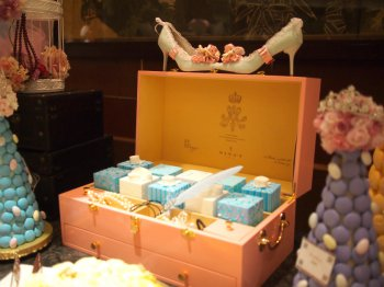ニナスのボックスは他にもオブジェで使われていました。このボックスとっても可愛くて、欲しくなってしまいました。