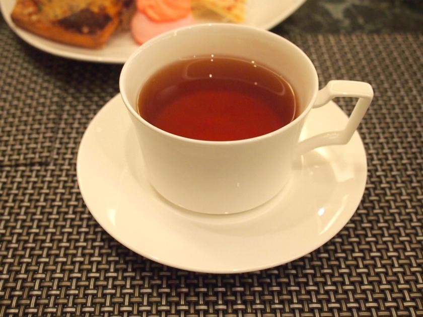 ティーカップはnoritakeのものが置いてありました。いつもはセガフレードのコーヒーカップしかなかったので、このサービスはとても嬉しいです。