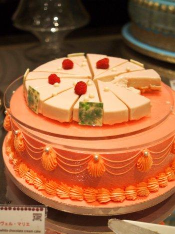 ヌーヴェル・マリエ(桃とホワイトチョコレートクリームのケーキ)
