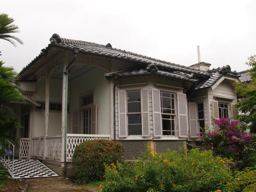 こちらは旧ウォーカー住宅。先の3つの洋館に比べるとこじんまりしているけれど、住み心地の良さそうなお家でした。