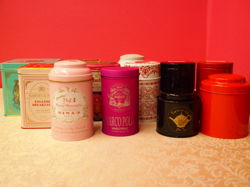紅茶の保存には「缶」が最適です。