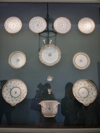 ベルサイユのプチトリアノン宮殿の1Fに展示されているテーブルウェア