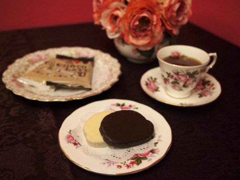 ハートブレッドアンティークのチョコがけラスクと紅茶