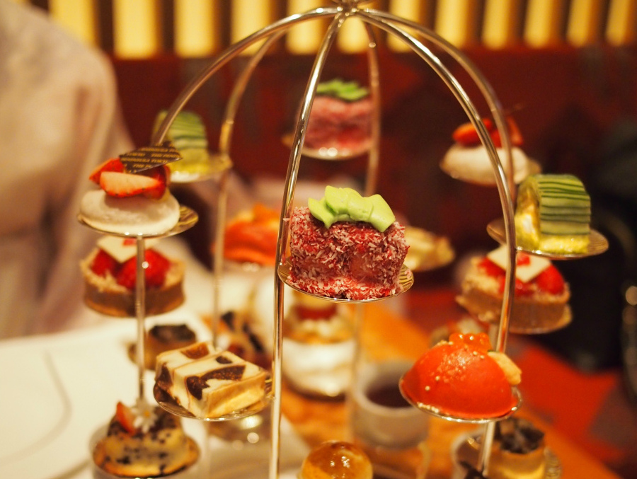peninsula-2018strawberry-afternoontea1