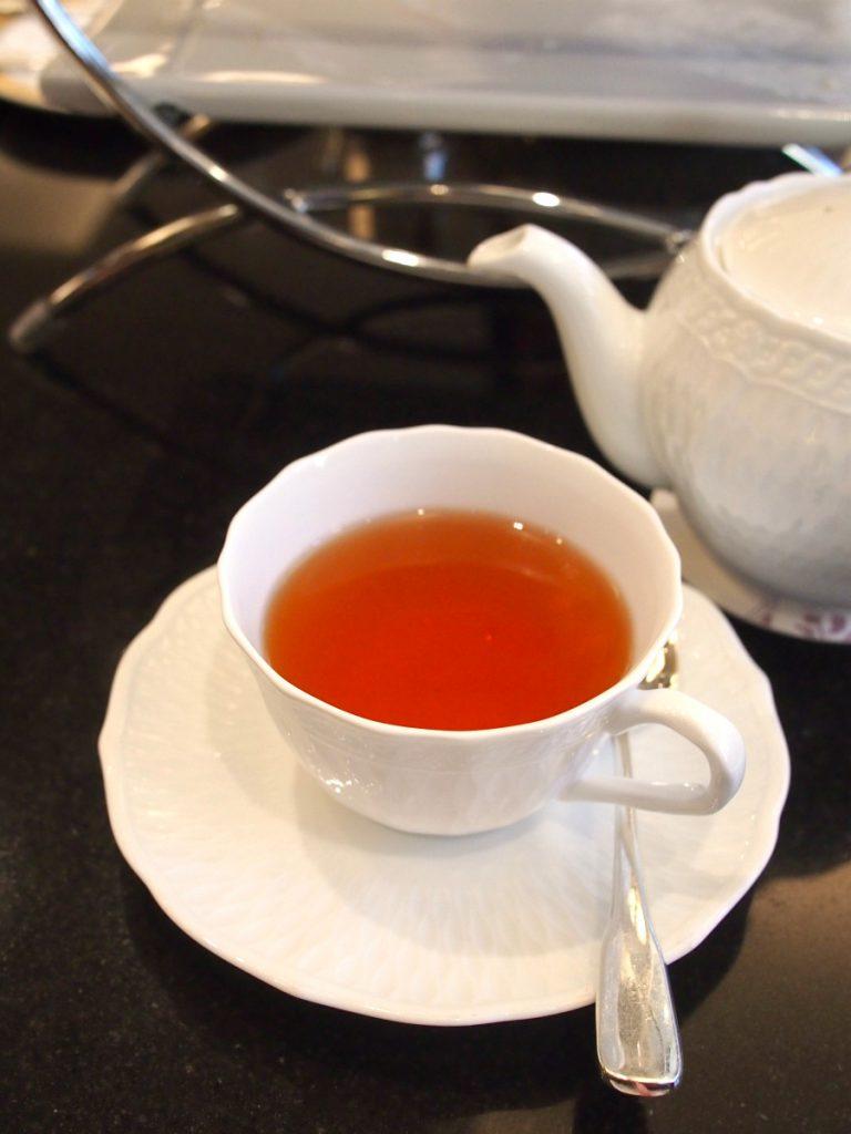 ロイヤルパークホテル ロビーラウンジ「フォンテーヌ」は日本紅茶協会認定の「おいしい紅茶のお店」です。