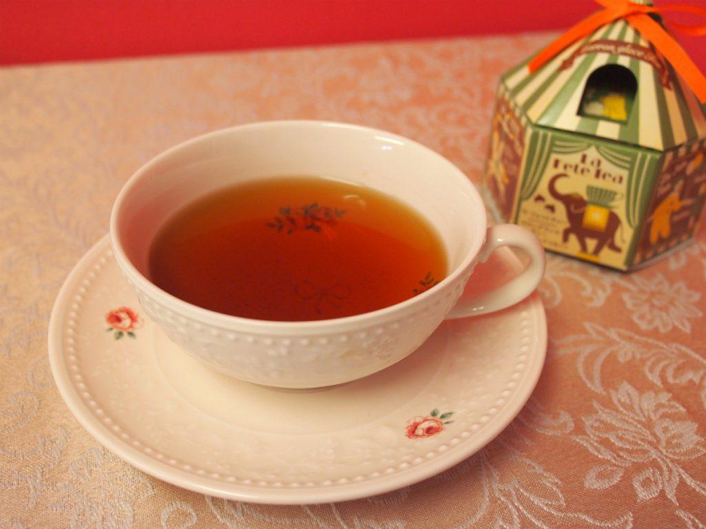 マロングラッセフレーバーはミルクティーに合いそうな甘い香りがします。