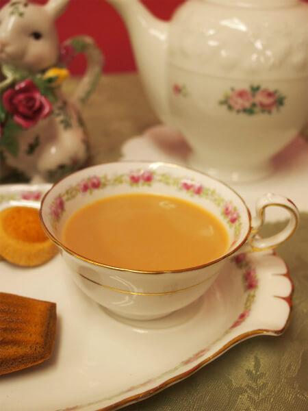 maisonde petitfour madeleine miel tea2