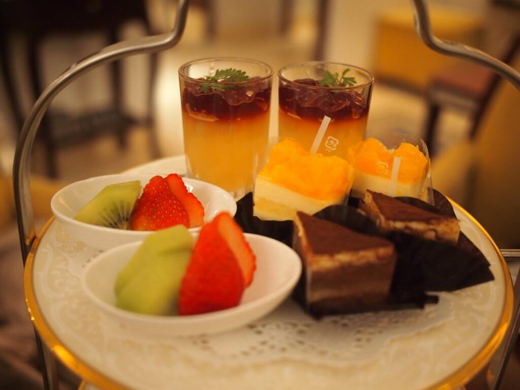 royalcrystalcafe2018 afternoontea sweets1